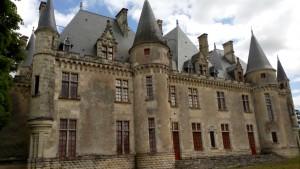 erbaut um 1400 - erworben 1477 von dem Weinhändler Ramon Eyquem  erweitert bis ins 19. Jahrhundert