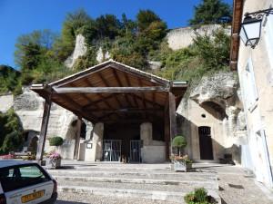 Eingang Felsenkirche Saint-Jean ( ab 11.Jahrhundert )